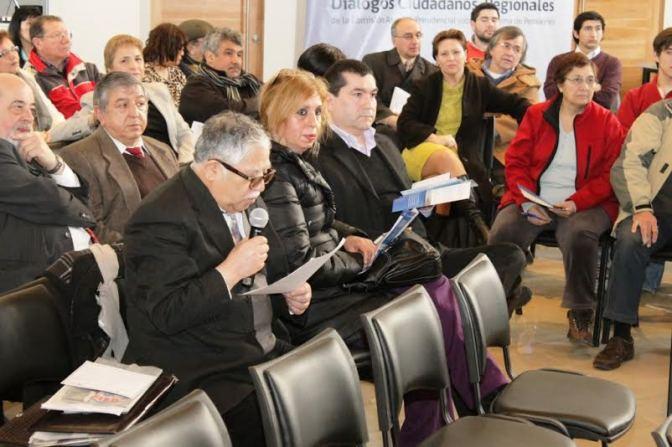 Alrededor de 100 personas participaron en diálogos ciudadanos sobre el sistema de pensiones en Magallanes