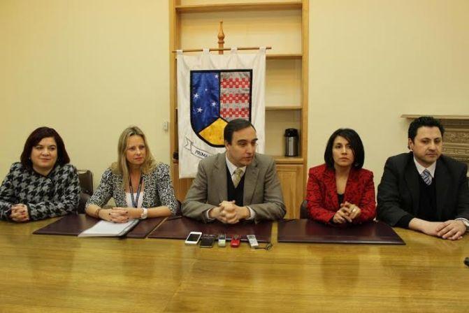 Intendente Regional Jorge Flies y autoridades regionales anuncian inicio de la construcción del Hospital de Porvenir para este año 2014